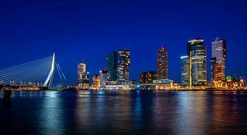 Rotterdam Leiter der South Blue Hour Wilhelminapier Wilhelminakade von Marco van de Meeberg