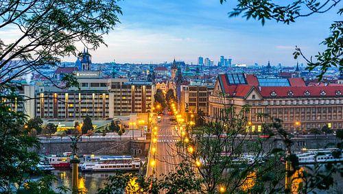 Doorkijkje naar Praag  van