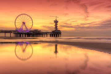 Quai de Scheveningen et grande roue après le coucher du soleil sur Rob Kints