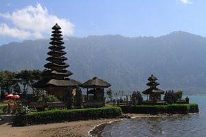 Pura Ulun Danu Bratan water tempel op Bali
