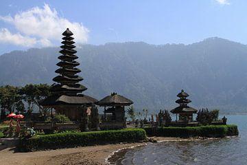 Pura Ulun Danu Bratan water tempel op Bali sur