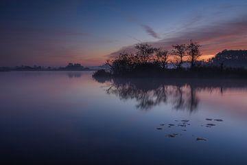 Een vroege ochtend aan het water