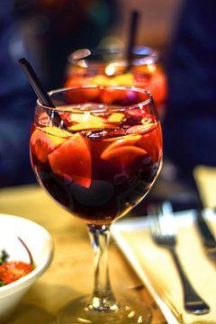 Cocktail Sangria Cocktail d'été Vin rouge Barcelone Espagne sur Andreea Eva Herczegh