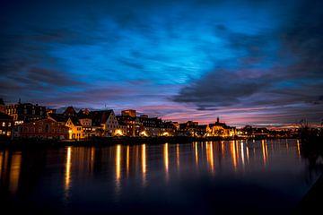 Stenen brug, kathedraal en Donau bij nacht van Thilo Wagner