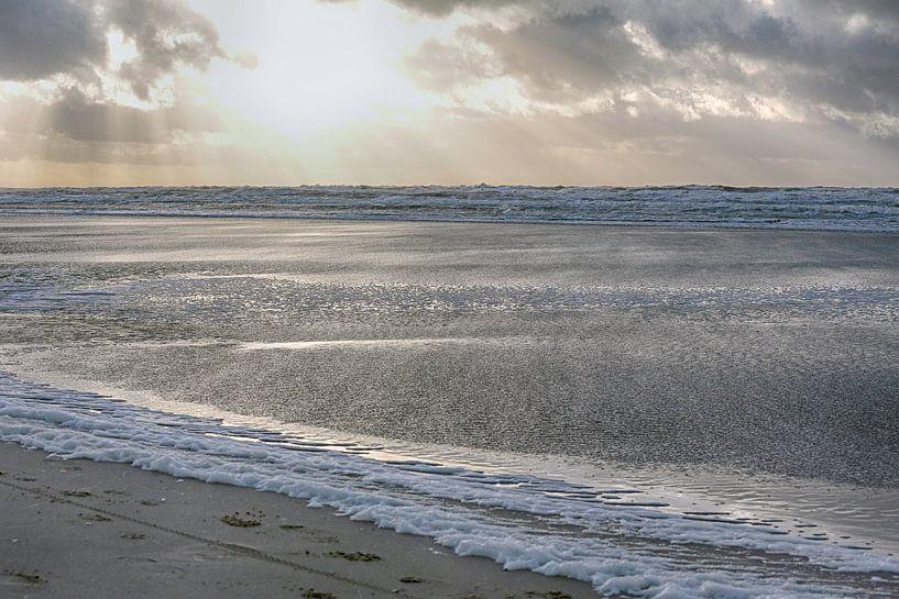 Ruige zee Egmond van Ronald Smits