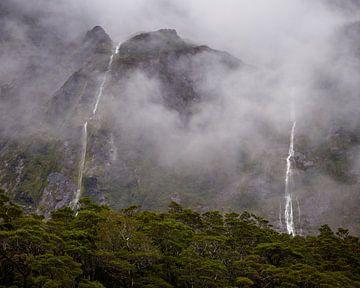 Watervallen in de mist van Keith Wilson Photography