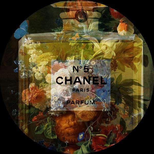 Stilleven Chique met bloemen, roodborstje en vlinder van Rudy & Gisela Schlechter