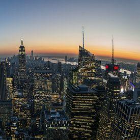 Manhattan na zonsondergang van Joran Maaswinkel