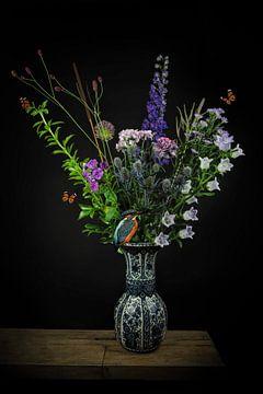 """Stilleven boeket bloemen: """"Kingfisher with butterflies"""""""