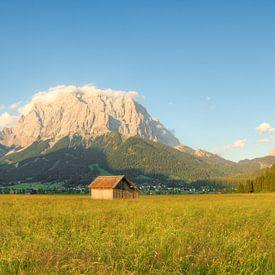 Avondzon in Lermoos in Oostenrijk van Michael Valjak