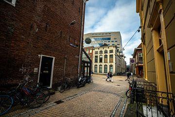 Groningen achter de muur met zicht op het Groninger forum van Arjan Boer