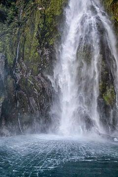 Wasserfall im Milford Sound, Neuseeland von Christian Müringer