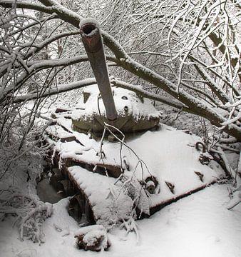 Tank in the snow #1 sur Olivier Van Cauwelaert
