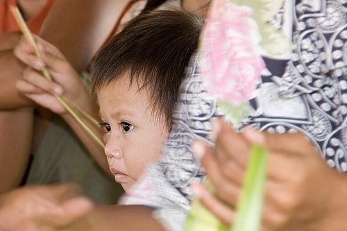 Jongetje in Lombok, Indonesië van