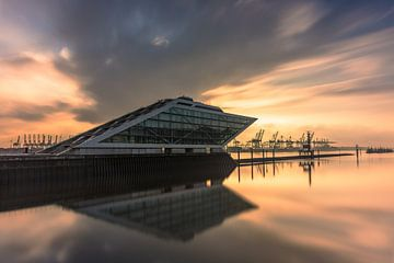 Dockland Hamburg van Robin Oelschlegel