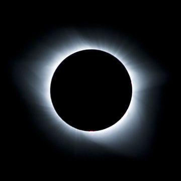 Total Eclipse - Korona  van Ruth Klapproth
