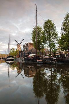 Alter Hafen von Gouda II von Ilya Korzelius