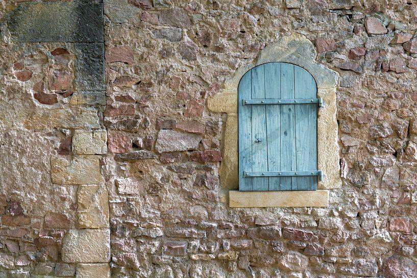 mur avec trappe sur Hanneke Luit