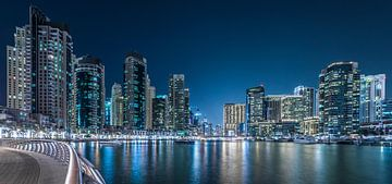 Dubai Marina van