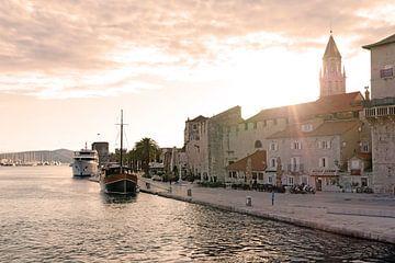 De stad Trogir in Kroatië van Melissa Peltenburg