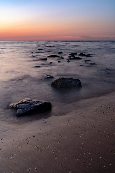 Rotsen in de golven van Martijn Joosse