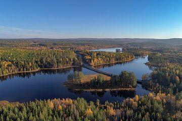 De brug die over Offersjön gaat van Fields Sweden