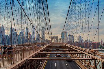 Brooklyn Bridge met de skyline van New York City von Karin Mooren