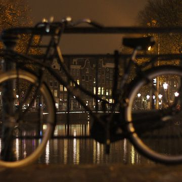 Amsterdam bij nacht van Elise Croese