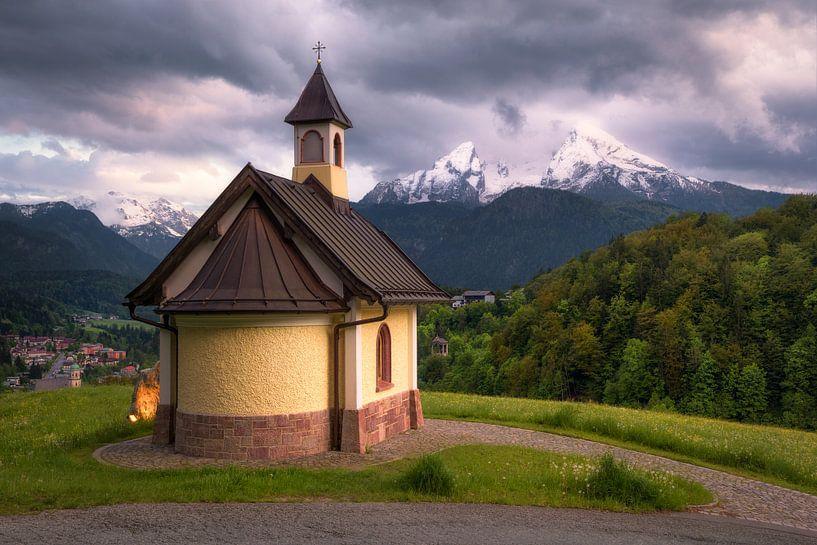 Lockstein chapel in front of Watzmann (Berchtesgarden) van Dirk Wiemer