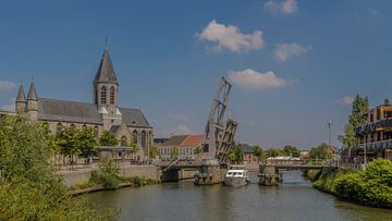 De Kerk van Deinze aan de haven