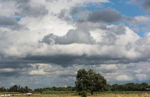 Clouds Landscape. von Harrie Eickenboom
