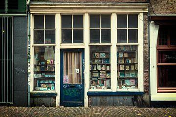 De oude verlaten boekhandel aan de Korte Jansstraat in Utrecht