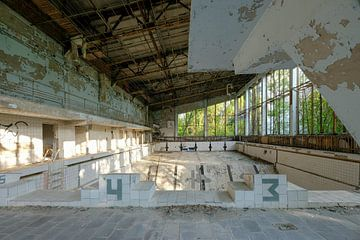 Verlassenes Schwimmbad in Pripyat, Tschernobyl von UPHA F