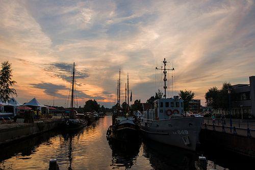 Harbor van