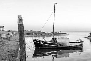 Laaksum, bootje in de Haven van