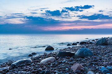 Evening on the Baltic Sea coast van Rico Ködder