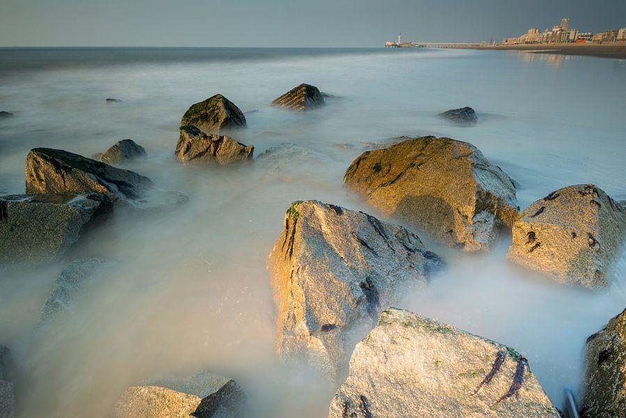 Het strand van Scheveningen - 4 van Damien Franscoise