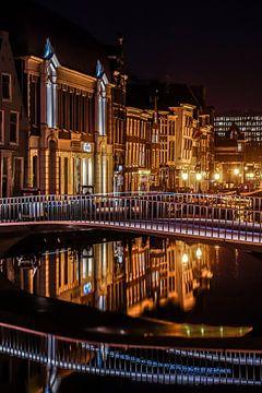 Leiden op zijn mooist! Catherinabrug Leiden! van Dirk van Egmond