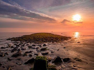 Een prachtige avond op het strand.... van Natascha Worseling
