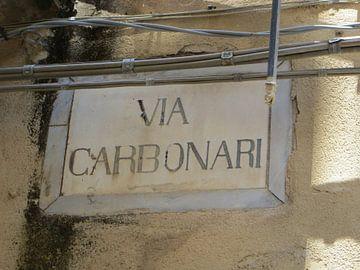 straatnaambord in Cefalù, Sicilië van Clementine aan de Stegge