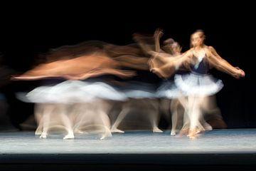 Abstracte ballerina danser von Natasja Tollenaar