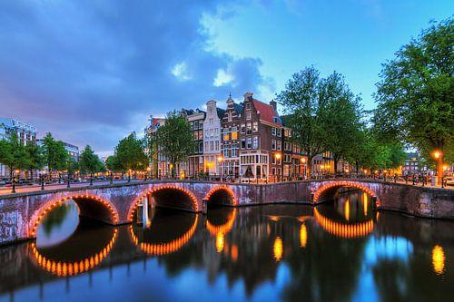 Keizersgracht weerspiegeling Amsterdam van Dennis van de Water