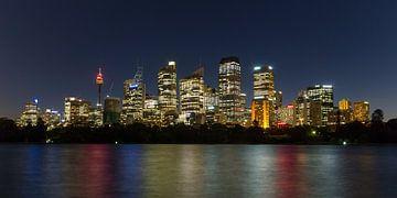 Sydney nacht skyline von Marcel van den Bos