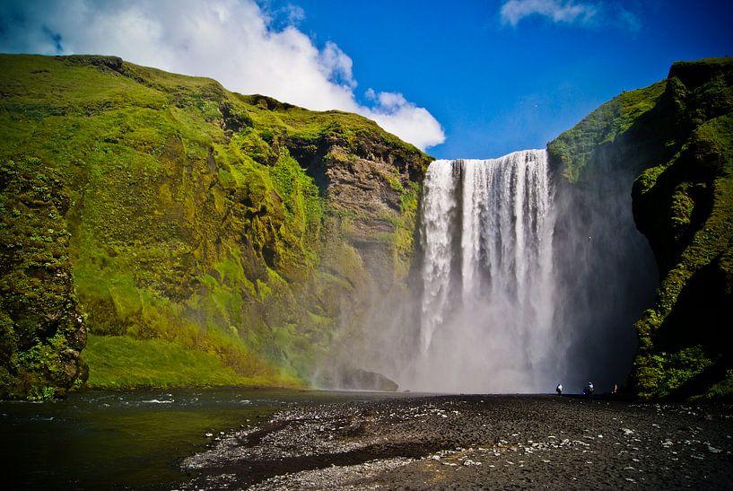 Skógafoss in IJsland van Jeffrey Dolkens