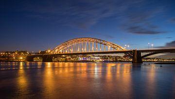 Goldene Waalbrücke von Jeroen Lagerwerf