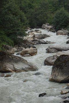 Woeste rivier in Annapurna gebergte von Marilyn Bakker