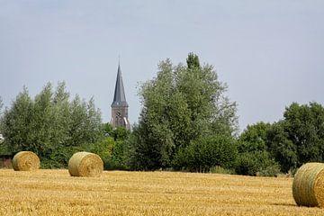 Strobalen bij Vijlen in Zuid-Limburg von John Kreukniet