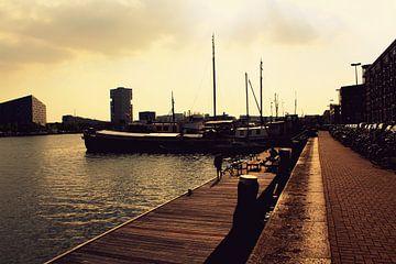 Amsterdam havengebied. van Aaron Goedemans
