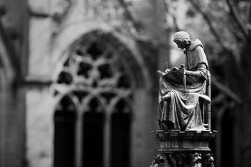 Monnik bij De Dom in Utrecht van Gerard Burgstede