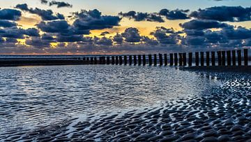 Strand Hollum met zonsondergang von Jan Hoekstra